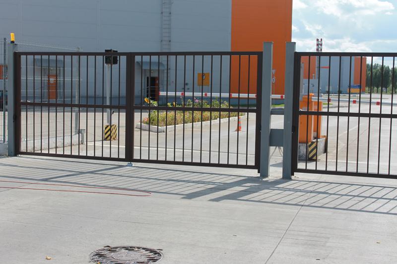 Ворота распашные промышленного типа ALV