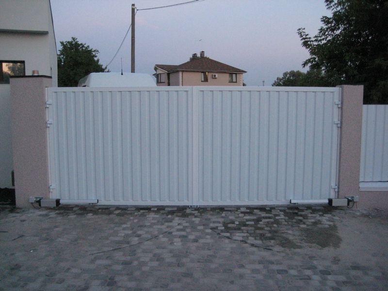 Въездные алюминиевые распашные ворота ALV
