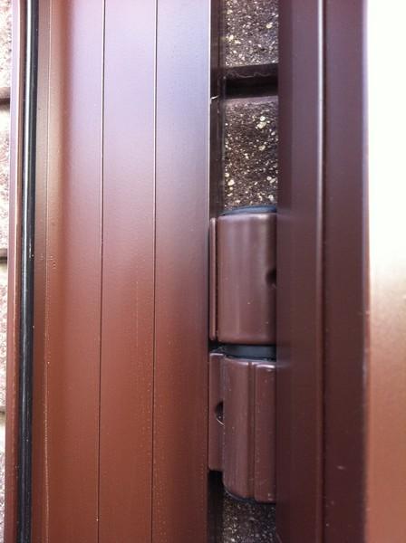 Алюминиевый профиль ALV для ворот и калиток с применением алюминиевых петель FAPIM