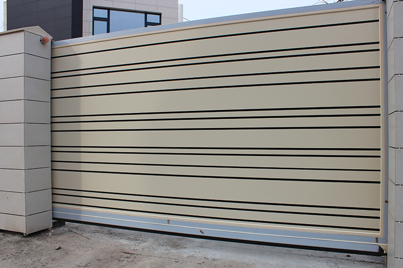 Ворота въездные алюминиевые ALV с композитной панелью, фото
