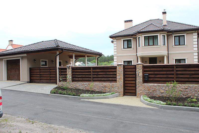 Деревянные въездные ворота и калитка ALV