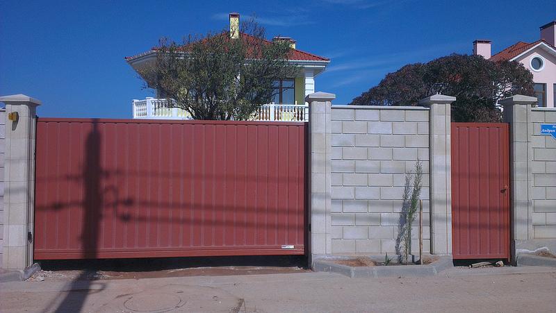 Ворота откатные и калитка ALV